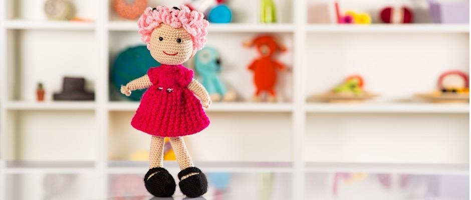 Amigurumi Fuşya Elbiseli Pembe Saçlı Kız Bebek